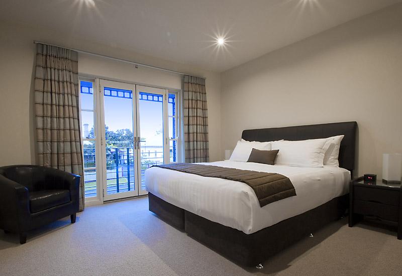 bedroom gallery.  King Bedroom Gallery Precinct on Jardine Mount Gambier Accommodation